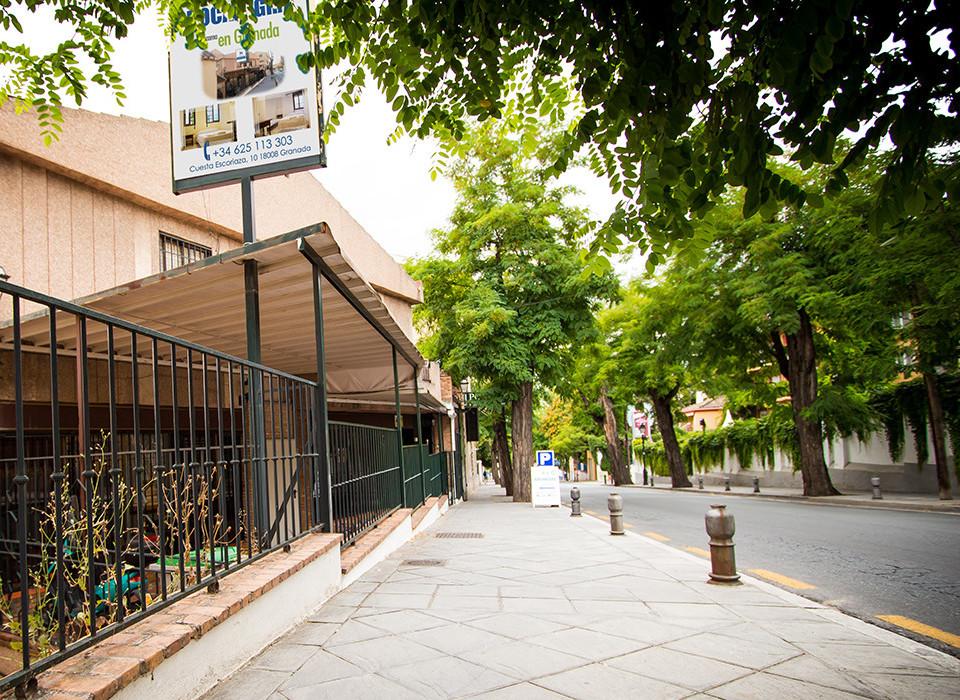 Fachada principal hostal Granada